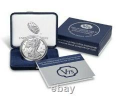 Fin De La Seconde Guerre Mondiale 75e Anniversaire American Eagle Gold & Silver Coin In Hand